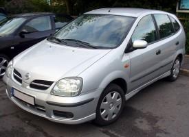 Nissan_Almera_Tino