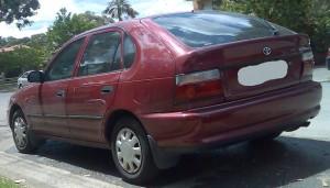 1994-1996_Toyota_Corolla_(AE101R)_CSi_Seca_5-door_hatchback_01